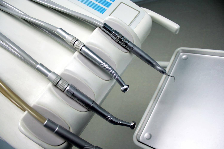 Dentists instruments i